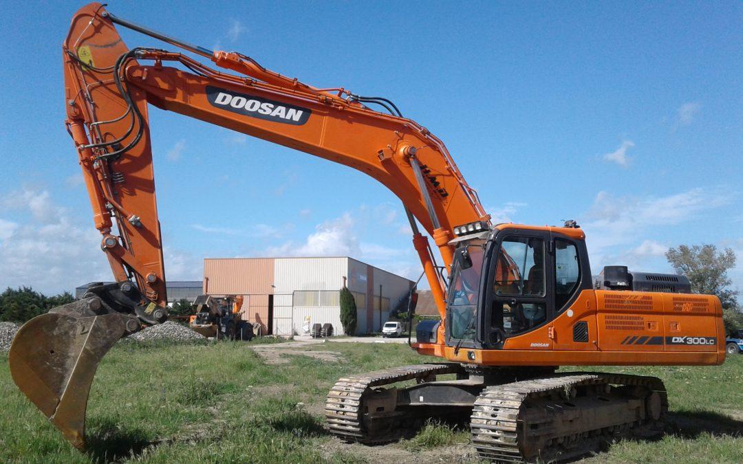 PELLE sur Chenilles DX300LC-3 DOOSAN